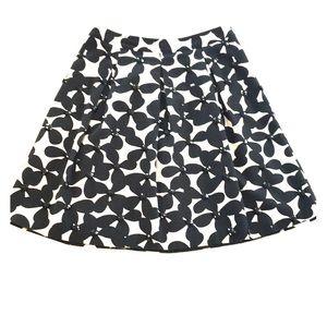 ⬇️ INC Retro Floral Black & White Skirt EUC